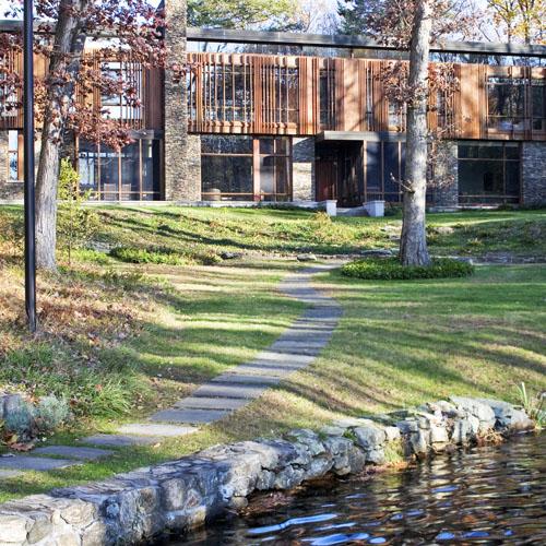 Pound Ridge modern home